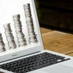 komputer i pieniądze
