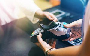 płatności mobilne telefon i terminal