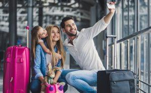 polisa na wypadek przymusowej kwarantanny rodzina na wakacjach