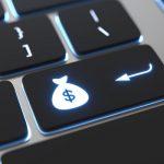 pożyczki Raiffeisen Digital Bank klawisz z pieniędzmi