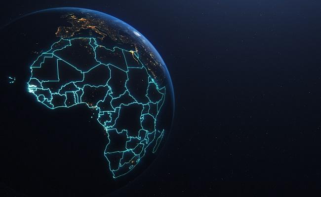 Cloud Services poświetlony kontynent